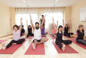 horario escuela essentia yoga santander